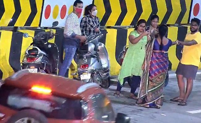 Traffic Police Request Public Responsible Durgam Cheruvu Cable Bridge - Sakshi