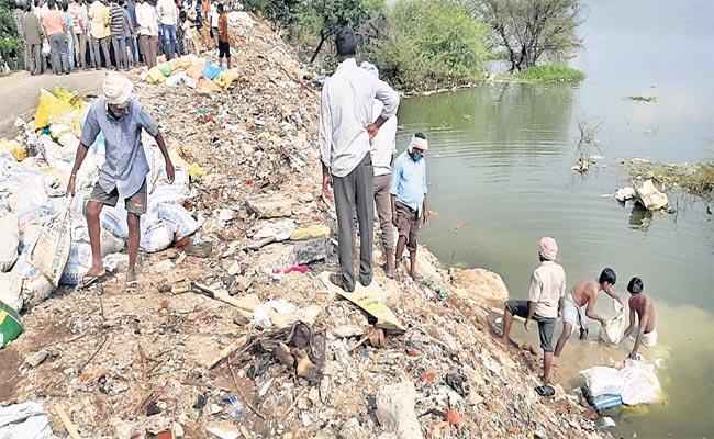 Meerpet Cheruvu Heavy Flood Flows In Hyderabad - Sakshi