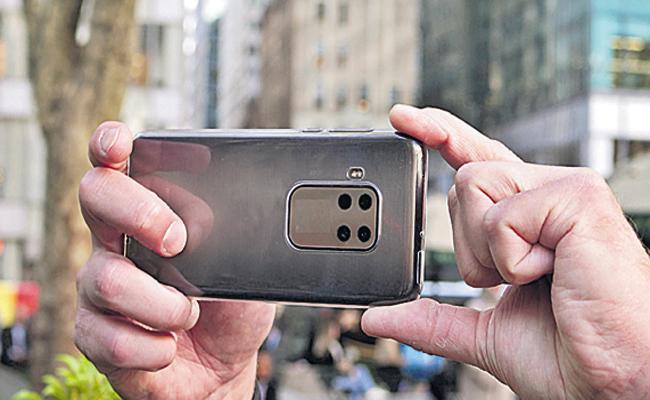 Quad Camera Smartphone Sales is increased - Sakshi