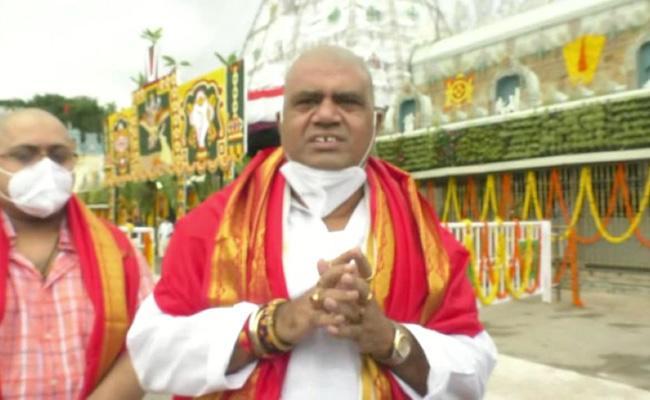 AP VIPs Avanthi Srinivas Kona Raghupati Gajal Srinivas Visits Tirumala - Sakshi
