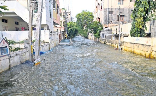 Flood Water Recede In Several Places Across Hyderabad - Sakshi