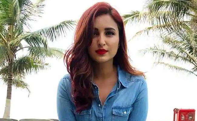 Parineeti Chopra Said She Loves Saif Ali Khan A Lot - Sakshi