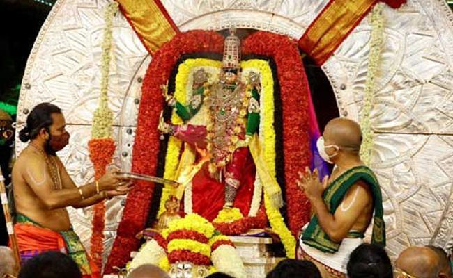 Tirupati Brahmostavalu Malayappa Swami in Trivikrama Alankar - Sakshi