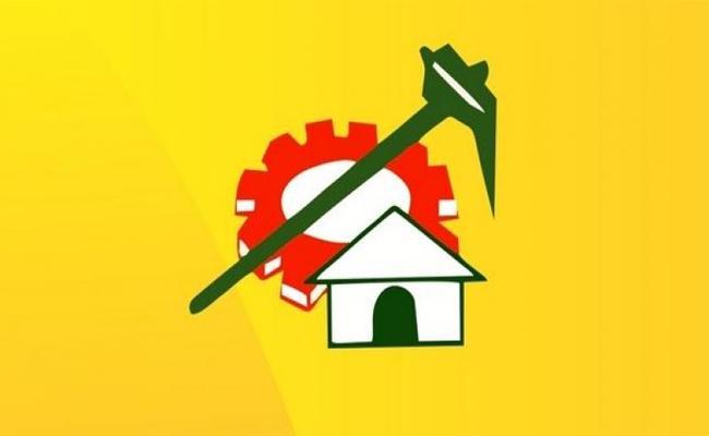 TDP MLC PRO Chaitanya fake posts on Ajeya Kallam And MLA RK - Sakshi