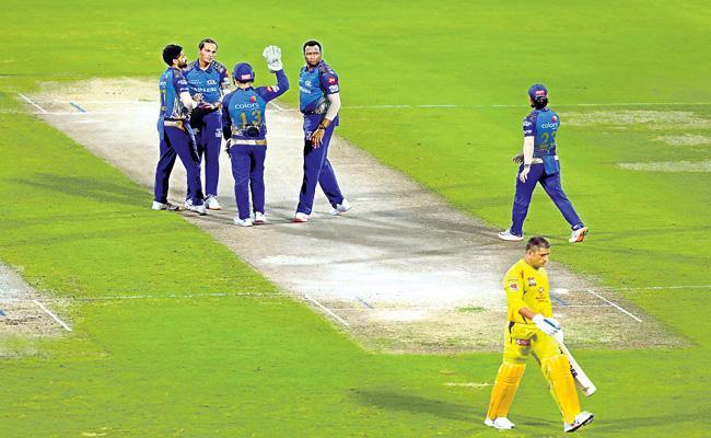 Mumbai Indians beat Chennai Super Kings by 10 wickets - Sakshi