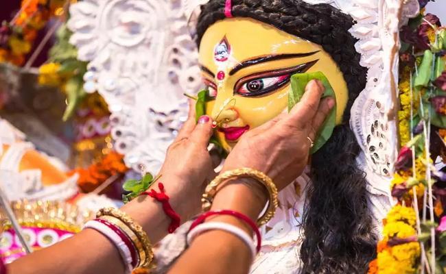 Dussehra Festive sales surge - Sakshi