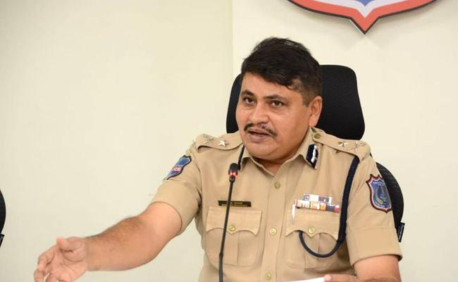 CP Mahesh Bhagwat Arrested Nepali Gang In Nacharam Case In Hyderabad - Sakshi