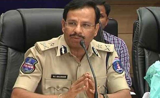 Cyber Crime Frauds In Hyderabad - Sakshi