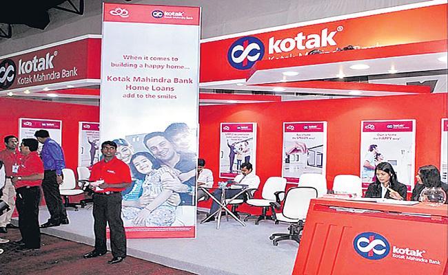 Kotak Mahindra Bank's consolidated PAT up 22percent in Q 2to Rs 2,947 cr - Sakshi