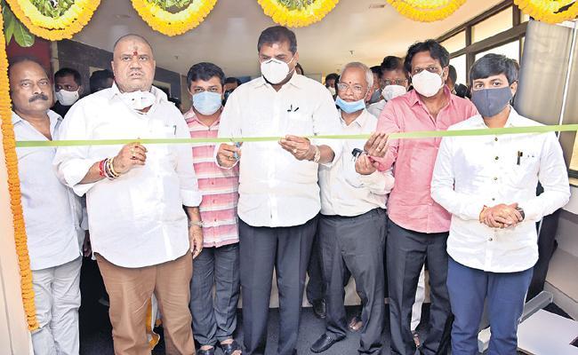 Botsa Satyanarayana said that light metro project in Visakhapatnam - Sakshi