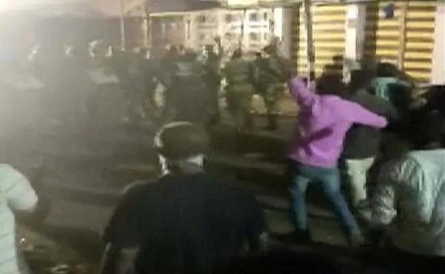 Man Killed, Many Hurt In Firing During Idol Immersion In Bihar  - Sakshi