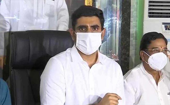 West Godavari District TDP leaders Not Attend In Nara Lokesh Tour - Sakshi