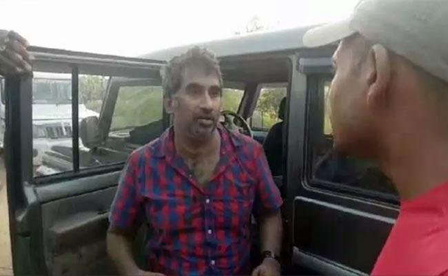 Anantapur Police Nab Culprits In DoctorKidnap Case - Sakshi