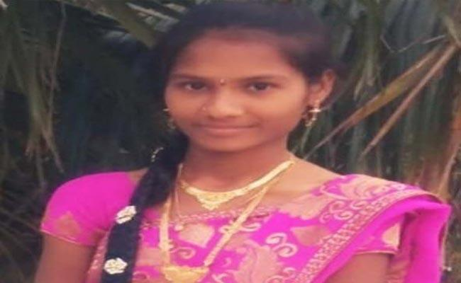 Young Woman Lost Her Life In Chittoor District - Sakshi