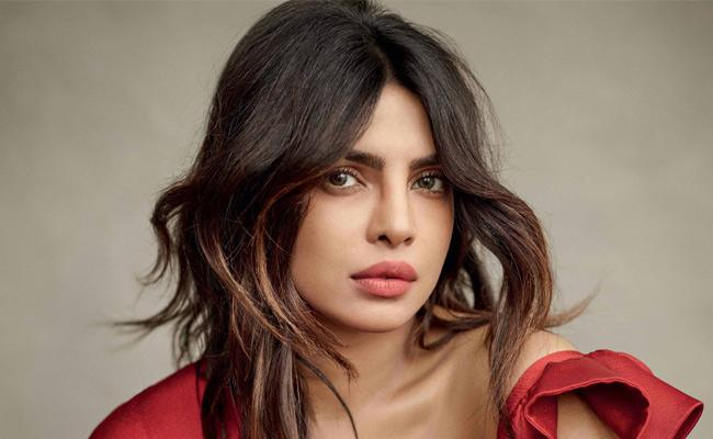 Priyanka Chopra to coStar with Sam Heughan Hollywood project - Sakshi
