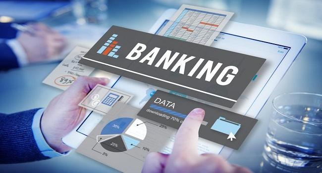 Banking sell off- Sensex below 40000 mark - Sakshi