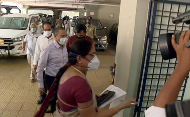 AP Chief Secretary Nilam Sawhney Meets SEC Ramesh Over Local Body Elections - Sakshi