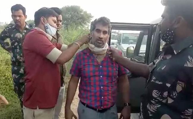 Hyderabad Dentist Kidnap Case: Dentist Hussain Rescued By Police - Sakshi