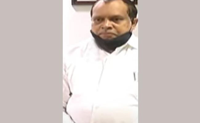 Threatening  Calls To Anantapur JNTU Vice Chancellor - Sakshi