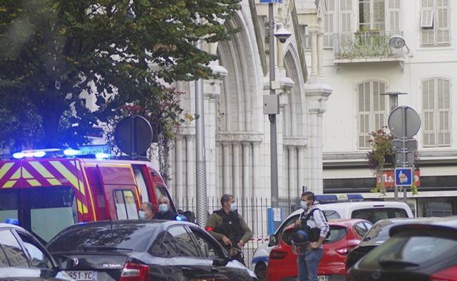 Terror Attack Inside Church In Frances Nice - Sakshi