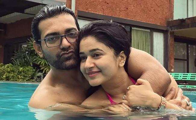 Actress Poonam Bajwa Introduced Boy Friend Sunil Reddy - Sakshi