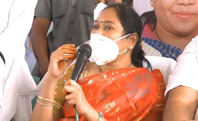 Home Minister Mekathoti Sucharitha Opens Fire Station In Srikakulam - Sakshi