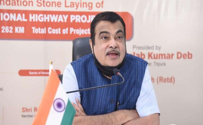 Hang photos of officials who delayed NHAI building: Union Ministry Nitin Gadkari - Sakshi