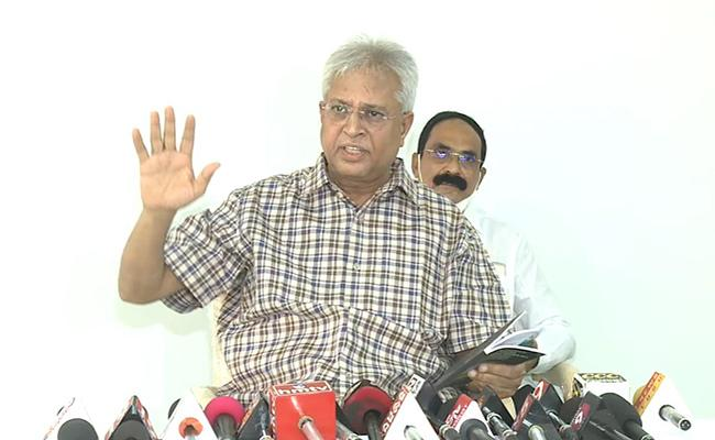 Undavalli Arun Kumar Comments Over Polavaram Project - Sakshi