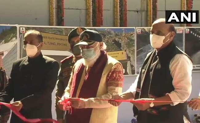 PM Modi Inaugurates  Atal Tunnel At Rohtang In Himachal - Sakshi