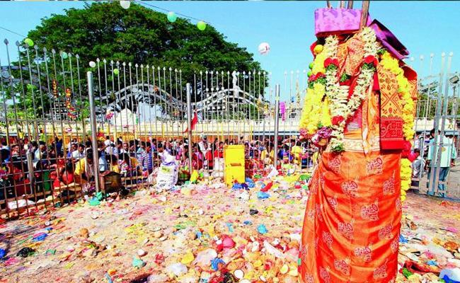 Due To Corona Medaram temple To Be Close For Next Three Months - Sakshi