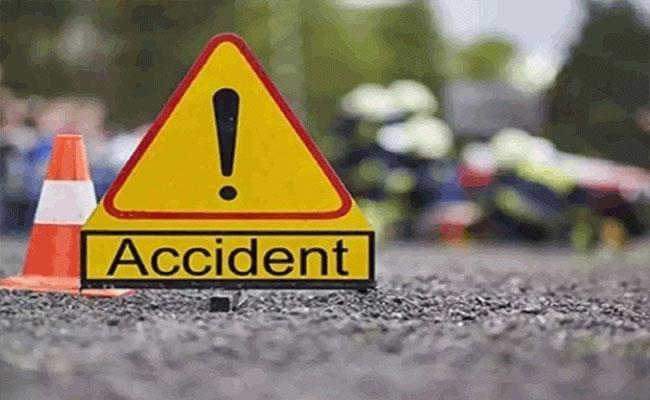 10 CRPF Jawans Injured As Truck Overturns In Jharkhand - Sakshi
