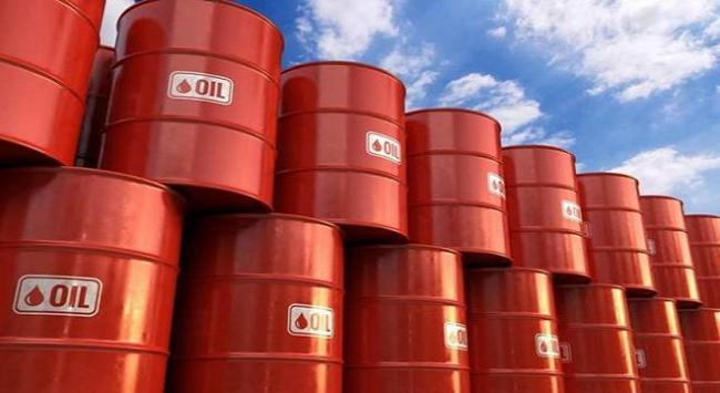 Crude oil prices tumbles on covid-19 lockdown worries  - Sakshi