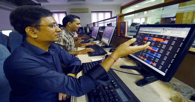Sensex double century despite volatility - Sakshi