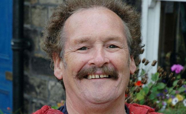 Comedian Bobby Ball Deceased after Covid-19 Diagnosis - Sakshi