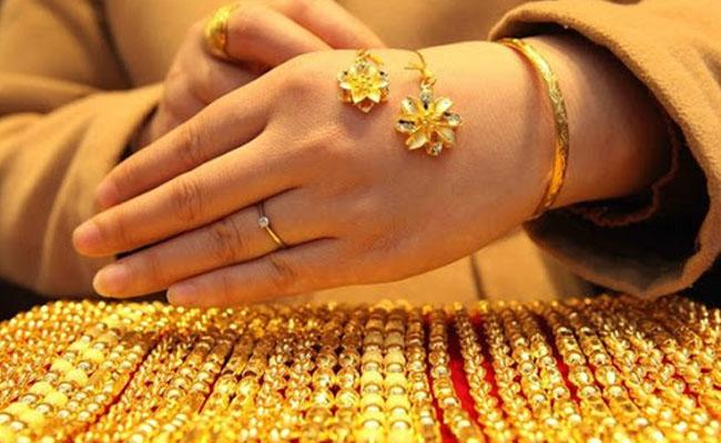 COVID-19 hits gold buying sentiment Q3 demand drops by 30pc: WGC - Sakshi