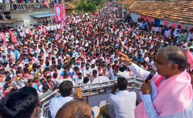 Harish Rao FIres On BJP For Spreading False Propaganda In Dubbaka - Sakshi