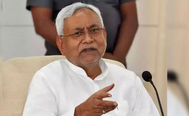 Nitish Kumar Says It's All Bogus On Tejashwi Yadav's 10 Lakh Jobs Promise - Sakshi