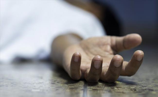 Man Deceased By His Wife In Srikakulam District - Sakshi