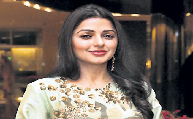 Bhumika Chawla joins forces with Sumanth Ashwin and Srikanth for Guru Pavan road film - Sakshi