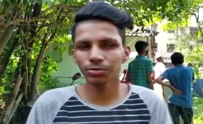 18 Year Old Saved 75 People Life In Building Collapse Incident - Sakshi