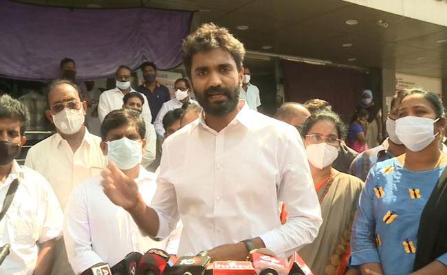 MP Bharath Comments On Undavalli Arunkumar - Sakshi