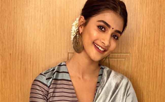 Pooja Hegde Reveals She Is Huge Fan Of Rohit Shetty - Sakshi