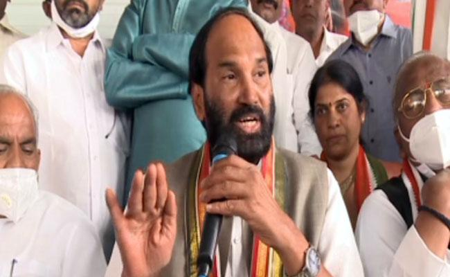 Dubbaka Elections :  Congress Leaders Participated In Campaign  - Sakshi