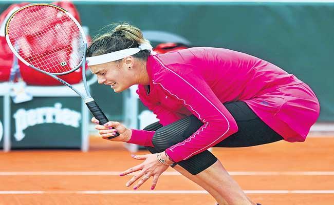 Sabalenka Lost In Third Round At French Open Tournament - Sakshi