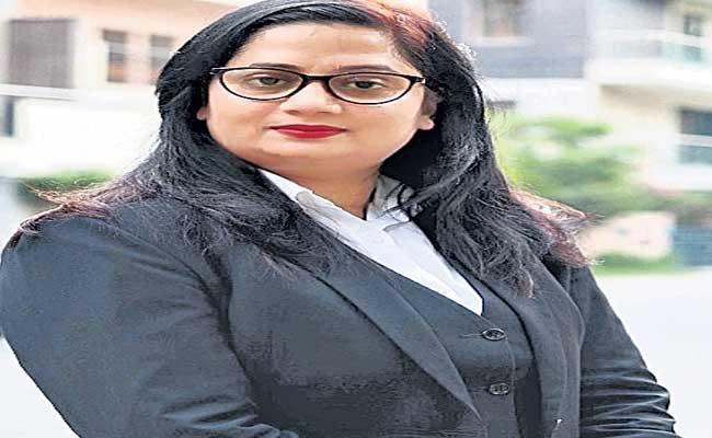 Special Story About Lawyer Seema Samridhi - Sakshi