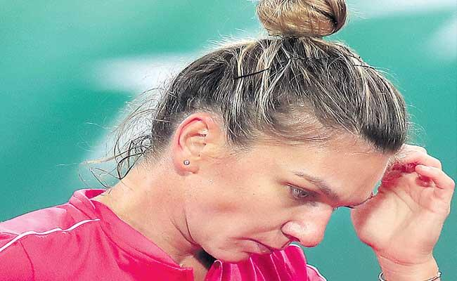 Simona Halep Lost In French Open Tournament - Sakshi