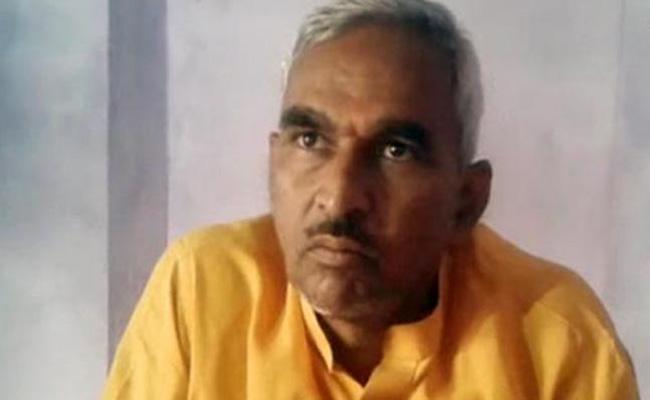 Uttar Pradesh BJP MLA Surendra Singh gives controversial statements - Sakshi