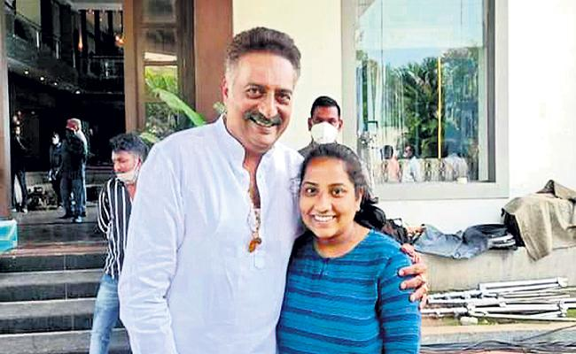 Prakash Raj Helping Hand to Poor Student Education - Sakshi
