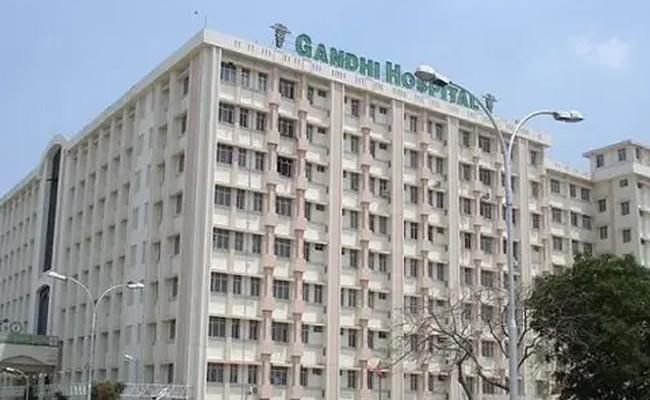 Progress Has Been Made In Prisoners Who Escaped From Gandhi Hsptl - Sakshi