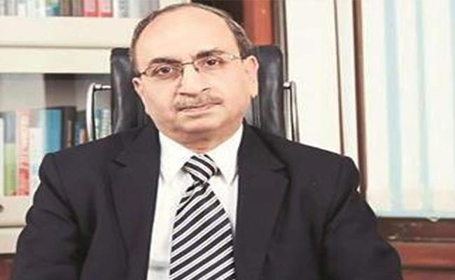Dinesh Kumar Khara appointed SBI Chairman for 3 years - Sakshi